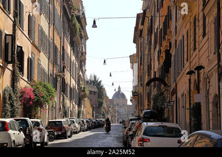 Rome, everyday life in the city.
