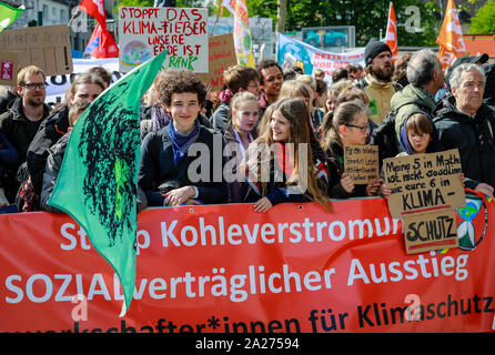03.05.2019, Essen, North Rhine-Westphalia, Germany - Fridays for Future Demonstration on the occasion of the RWE Annual General Meeting. 00X190503D024 - Stock Photo