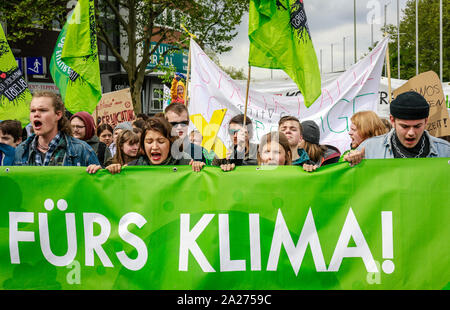 03.05.2019, Essen, North Rhine-Westphalia, Germany - Fridays for Future Demonstration on the occasion of the RWE Annual General Meeting. 00X190503D047 - Stock Photo