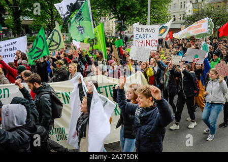 03.05.2019, Essen, North Rhine-Westphalia, Germany - Fridays for Future Demonstration on Ruettenscheider Strasse on the occasion of the RWE Annual Gen - Stock Photo