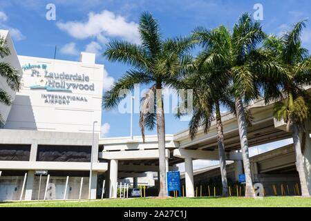 Fort Lauderdale, Florida – April 6, 2019: Logo of Fort Lauderdale airport (FLL) in Florida. | usage worldwide - Stock Photo