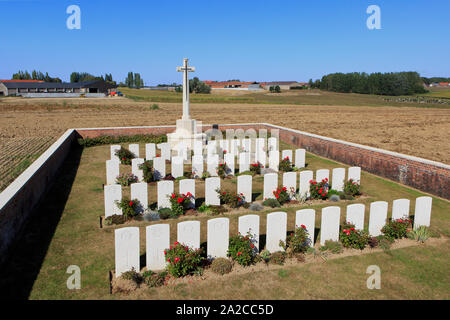 The World War I Spanbroekmolen British Cemetery (1917) designed by J. R. Truelove with the graves of 58 soldiers in Heuvelland, Belgium - Stock Photo