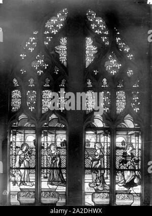 Eglise Saint-Martin - Vitrail baie 2 (ensemble) Saint Jean sainte Marie-Madeleine sainte Marie-Cleophe et sainte Marthe - Montmorency - Médiathèque de l'architecture et du patrimoine - - Stock Photo