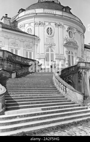 Das Jagdschloss Schloss Solitude in Stuttgart, Deutschland 1930er Jahre. The hunting lodge Castle Solitude in Stuttgart, Germany 1930s. - Stock Photo