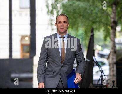 Dominic Raab, Foreign Secretary, arrives at Downing Street for a Cabinet meeting. - Stock Photo