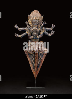 Personified Ritual Dagger (Vajrakila) in Ritual Embrace (Yab-yum), 16th century, Tibet, Tibet, Copper repoussé over wood, 43.1 x 24.8 x 10.3 cm (17 x 9 3/4 x 4 1/16 in.), Rookery Building, 209 South La Salle Street, Chicago, Illinois: Grille from Interior Central Court, c. 1885/88, Removed during 1905–1907 renovation, Burnham & Root (American, 1873-1891), Architect and designer: John Wellborn Root (American, 1850-1891), LaSalle Street, 209 South, Wrought iron, bolted to wall-mounted frame, 158.6 × 65.7 × .7 cm - Stock Photo