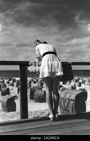 Ferien auf Westerland, Deutsches Reich 1937. Vacations on Westerland, Germany 1930s. - Stock Photo