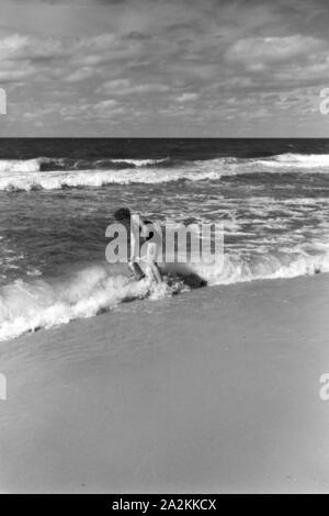Ferien auf Westerland, Deutsches Reich 1937. Vacations on Westerland, Germany 1930s. - Stock Photo