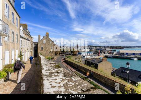 France, Manche, Cotentin, Granville, alley in the Upper Town // France, Manche (50), Cotentin, Granville, ruelle dans la Haute Ville - Stock Photo