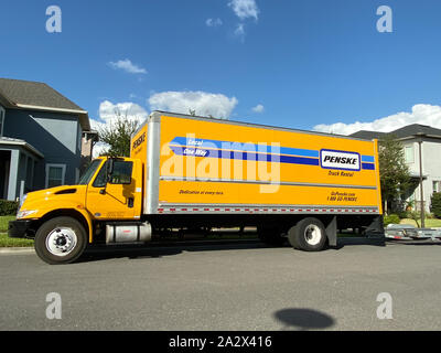 Orlando Fl Usa 10 3 19 A Penske Rental Truck Used To Move A Family To A New Home Penske Truck Rental Is A Privately Held Company Owned By Penske Co Stock Photo Alamy