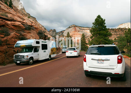 Tourist traffic on Zion-Mt Carmel Highway, Zion National Park, Utah, USA. - Stock Photo