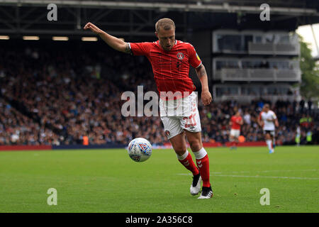 London, UK. 05th Oct, 2019. Chris Solly of Charlton Athletic in action. EFL Skybet championship match, Fulham v Charlton Athletic at Craven Cottage in London on Saturday 5th October 2019. this image may only be used for Editorial purposes. Editorial use only, license required for commercial use. No use in betting, games or a single club/league/player publications . pic by Steffan Bowen/Andrew Orchard sports photography/Alamy Live news Credit: Andrew Orchard sports photography/Alamy Live News - Stock Photo