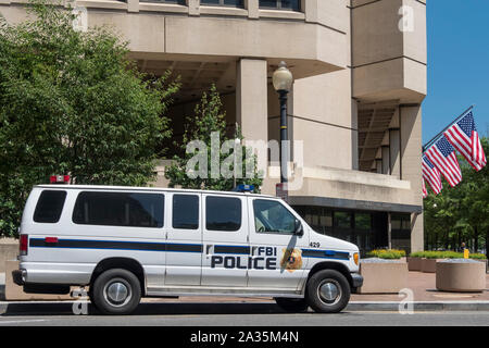 FBI Police Vehicle outside the J Edgar Hoover FBI Building, Pennsylvania Avenue, Washington DC, USA - Stock Photo
