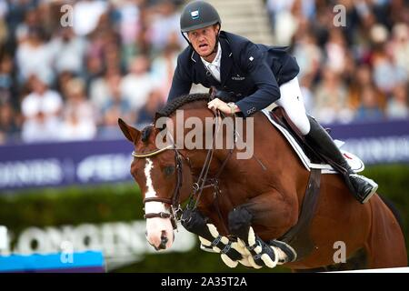 Barcelona, Spain. 05th Oct 2019. Niels Bruynseels of Belgium competes in the Segura Viudas Queen Cup horseback riding event at the Royal Club of Polo in Barcelona, Spain, 05 October 2019. EFE/ Alejandro Garcia Credit: EFE News Agency/Alamy Live News - Stock Photo