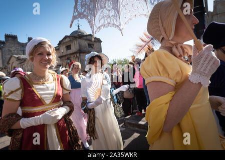 Bath, Somerset, UK. 14th September 2019. Several hundred Jane Austen fans dressed in period attire take part in the Grand Regency Costumed Promenade c - Stock Photo