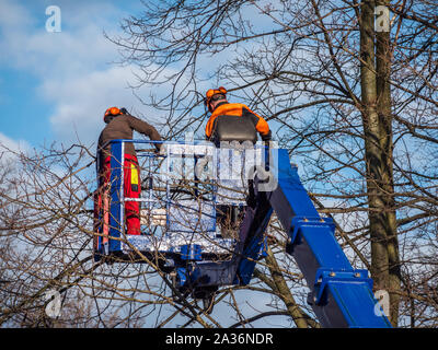 Lifting platform woodcut - Stock Photo