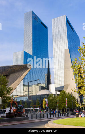 Modern office building 'De Delftse Poort' (English: Delft Gate Building), a twin-tower skyscraper complex at Weena 505, Rotterdam, Netherlands. - Stock Photo