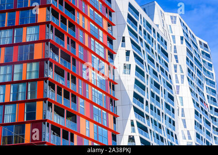 Modern residential apartments and offices in Mauritsweg, Rotterdam, Netherlands, De Calypso in the foreground. - Stock Photo