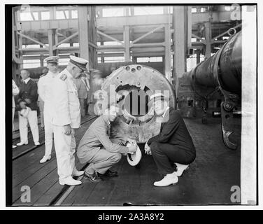 Sec. Wilbur, John Coolidge, and Admiral Hutchison, Navy Yard, 8/1/24 - Stock Photo