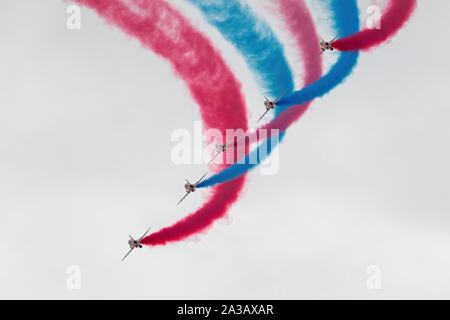 Red Arrows, Royal Air Force Aerobatic Display Team - Stock Photo