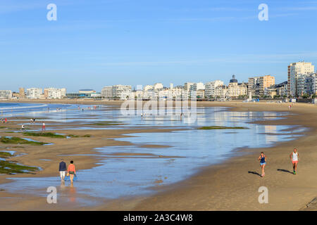 France, Vendee, Les Sables d'Olonne, seafront and large beach of Tanchet // France, Vendée (85), Les Sables-d'Olonne, front de mer et grande plage de - Stock Photo