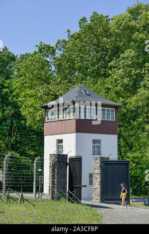Stacheldraht, Wachturm, Gedenkstätte KZ Buchenwald, Thüringen, Deutschland - Stock Photo