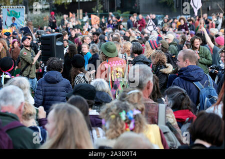 London, UK. 6th October 2019. Extinction Rebellion activists gather at Marble Arch for the start of two weeks of protests in which they plan to block every single road into central London. Other protest are expected in about 60 cities around the world. Credit: Stuart Boulton/Alamy - Stock Photo