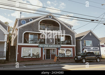 Lincolnville, Maine - September 27th, 2019: Commercial stores and restaurants in coastal town of Lincolnville off of Route 1. - Stock Photo
