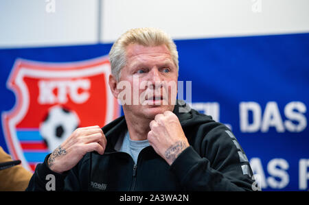 Duesseldorf, Germany. 10th Oct, 2019. Soccer: 3rd League, Stefan Effenberg, Manager KFC Uerdingen, speaks at the press conference. 15 years after the end of his player career and the failed mission as a coach, ex-national player Effenberg is now manager in the 3rd league. After the dismissal of coach Heiko Vogel, Effenberg first has to find a new head coach. Credit: Guido Kirchner/dpa/Alamy Live News - Stock Photo