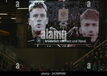 Dortmund, Deutschland. 09th Oct, 2019. firo: 09.10.2019 Football, 2019/2020 Landerspiel: National Team Germany - Argentina 2: 2 scoreboard, national anthem   usage worldwide Credit: dpa/Alamy Live News - Stock Photo