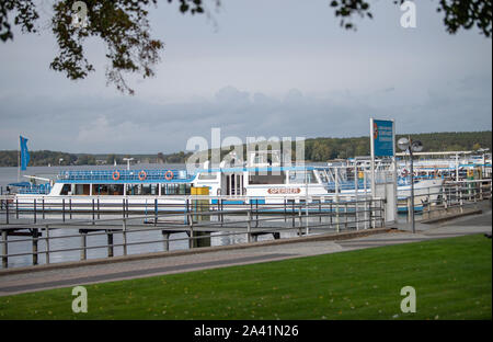 Berlin, Germany. 09th Oct, 2019. Excursion boats are available at the Wannsee mooring. Credit: Monika Skolimowska/dpa-Zentralbild/ZB/dpa/Alamy Live News - Stock Photo