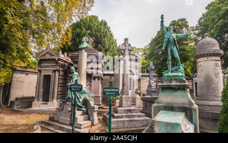 Père Lachaise Cemetery, paris, ile de france, france - Stock Photo