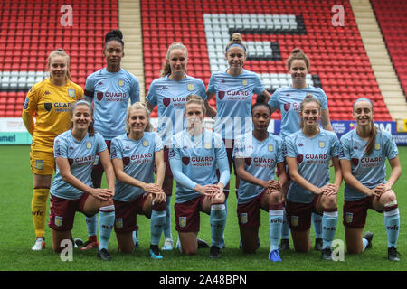 London, UK. 12th Oct, 2019. LONDON, UNITED KINGDOM OCTOBER 12. The Aston Villa starting 11 before FA Women's Championship between Charlton Athletic and Aston Villa at The Valley Stadium, London, UK on 12 October 2019 Credit: Action Foto Sport/Alamy Live News - Stock Photo