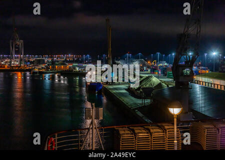 Working docks of Southampton during the hours of darkness. Hampshire. UK. - Stock Photo
