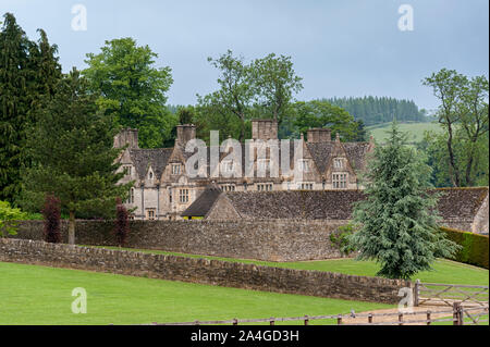 The Upper Slaughter Manor House is a picturesque Elizabethan manor set on 8 acres of landscaped gardens in Cotswolds village of Upper Slaughter - UK - Stock Photo