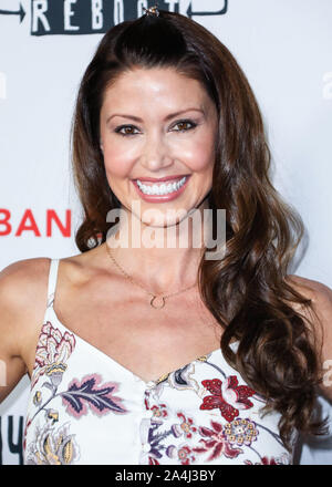 Hollywood, United States. 14th Oct, 2019. HOLLYWOOD, LOS ANGELES, CALIFORNIA, USA - OCTOBER 14: Actress Shannon Elizabeth arrives at the Los Angeles Premiere Of Saban Films' 'Jay and Silent Bob Reboot' held at the TCL Chinese Theatre IMAX on October 14, 2019 in Hollywood, Los Angeles, California, United States. (Photo by David Acosta/Image Press Agency) Credit: Image Press Agency/Alamy Live News - Stock Photo