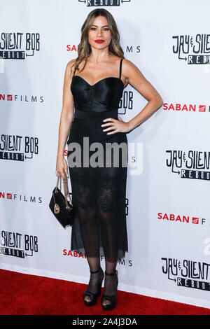 HOLLYWOOD, LOS ANGELES, CALIFORNIA, USA - OCTOBER 14: Actress Sofia Vergara arrives at the Los Angeles Premiere Of Saban Films' 'Jay and Silent Bob Reboot' held at the TCL Chinese Theatre IMAX on October 14, 2019 in Hollywood, Los Angeles, California, United States. (Photo by David Acosta/Image Press Agency) - Stock Photo
