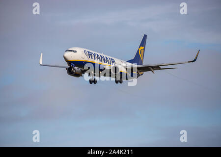 Ryanair, EI-DLI, Boeing 737-8AS, in the air and coming in to land at Bristol Airport - Stock Photo