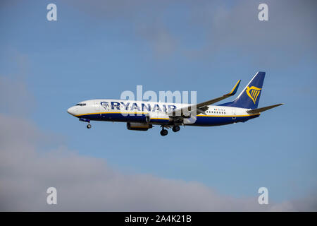 Ryanair, EI-DLX, Boeing 737-8AS, in the air and coming in to land at Bristol Airport - Stock Photo