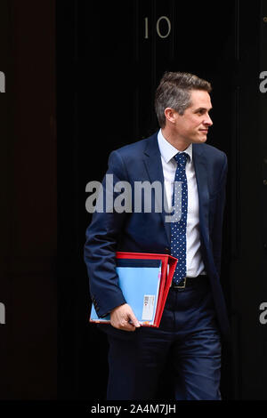 London, UK. 15th Oct, 2019. Gavin Williamson, Secretary of State for Education, exits Number 10 Downing Street. Credit: Stephen Chung/Alamy Live News - Stock Photo