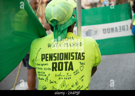 The fight of the pensioners has arrived in Madrid after traveling hundreds of kilometers on foot from the north and south of the country. The demonstr - Stock Photo