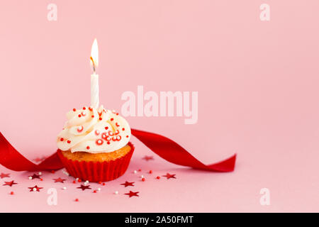 Sugar Red Ribbon On First Year Birthday Cake Details Of Decoration Stock Photo Alamy
