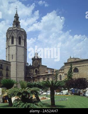 PLAZA DE LA REINA CON LA CATEDRAL Y EL MIGUELETE. Location: EXTERIOR. SPAIN. - Stock Photo