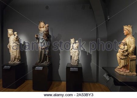'Virgin and Child' statues, room 0.2, Rijksmuseum, Amsterdam - Stock Photo