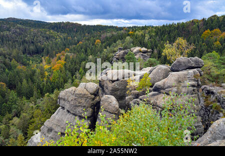 Jonsdorf, Germany. 09th Oct, 2019. The sandstone formation of Nonnenfelsen in the health resort Jonsdorf in the Zittau Mountains on the border with the Czech Republic and Poland. Credit: Patrick Pleul/dpa-Zentralbild/ZB/dpa/Alamy Live News - Stock Photo