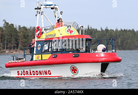 Sea rescue boat from the Swedish Sea Rescue Society (Svenska Sjöräddningssällskapet), on Lake Vättern.Photo Jeppe Gustafsson - Stock Photo
