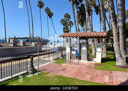 SAN CLEMENTE - CALIFORNIA - 18 OCT 2019: Metrolink Ticket kiosk at the San Clement Pier stop. - Stock Photo