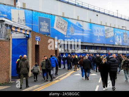 19th October 2019, Goodison Park, Liverpool, England; Premier League, Everton v West Ham United : Fans arriving for the game outside Goodison Credit: Conor Molloy/News Images - Stock Photo