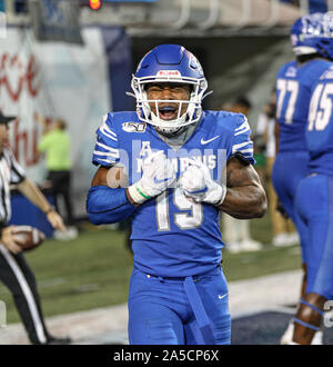 Memphis, TN, USA. 19th Oct, 2019. Memphis RB Kenneth Gainwell #19 celebrates his final touchdown during the NCAA football game between the Memphis Tigers and the Tulane Green Wave at Liberty Bowl Stadium in Memphis, TN. Kyle Okita/CSM/Alamy Live News - Stock Photo