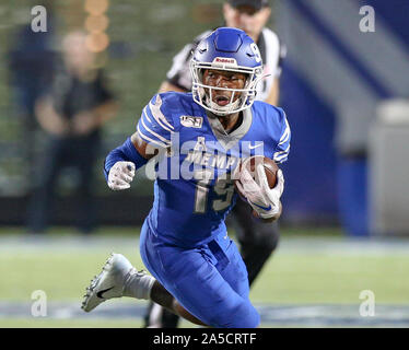 Memphis, TN, USA. 19th Oct, 2019. Memphis' Kenneth Gainwell #19 carries the ball around the corner of the defense during the NCAA football game between the Memphis Tigers and the Tulane Green Wave at Liberty Bowl Stadium in Memphis, TN. Kyle Okita/CSM/Alamy Live News - Stock Photo